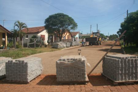 Retomada as obras de pavimentação na Vila Popular