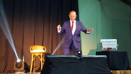 Otélio Drebes dá show no CTG