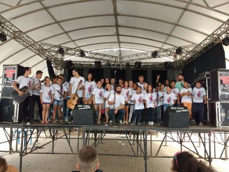 Usuários do CRAS deram um show na Festa do Município