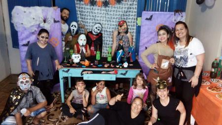 Oficina Terapêutica faz festa de halloween