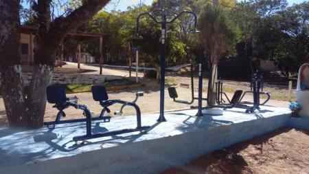 Mais duas a academia ao ar livre entregues para população